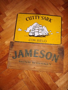 2 Whisky signals. Cutty Shark in metal (1970) and Jameson in wood (1995)