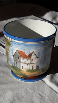 Painted porcelain planter, countryside decoration - English - end 19th century