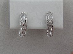 18 kt white gold earrings with diamonds