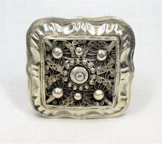 Silver filigree peppermint box, The Netherlands, 1867