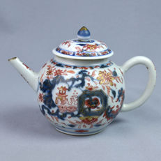 Teapot Imari style - China - 18th century