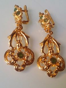 Earrings with Emerald stones