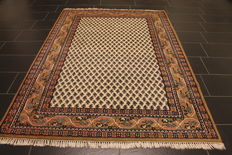Magnificent handwoven Oriental palace carpet, Sarough Mir, 170 x 230 cm, made in India, excellent highland wool around 1990