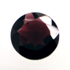 Red garnet - 11.84 ct - No reserve