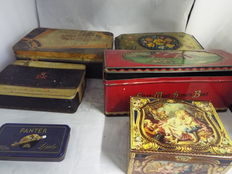 6 boxes of vintage biscuit tins - 20th century