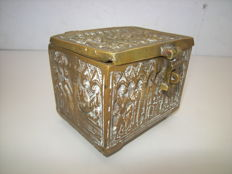 Anique Neo-Gothic bronze box with images of holy figures all around - France - 2nd part 19th century