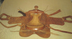 Mexican Western saddle / 15 inches - saddle tree in wood covered with Rawide - 20th.