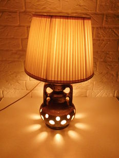Unusual retro lamp, with lighting both above and below, unique lighting effect, beautiful retro item!