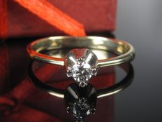 Diamond 0.10ct solitaire ring 14kt / 585 gold ring *no reserve price*
