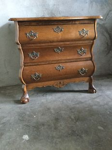 Oak wood cabinet with drawers on lion legs