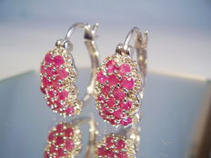Hoop earrings with rubies and white topaz - entourage of together approx. 3.5 ct
