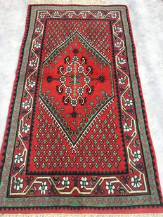 Beautiful Orient carpet from Tunisia - end of the 20th  century - 103 x 188 cm  - from €1