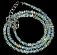 Necklace made of Welo opal beads, 2.5 mm to 5 mm