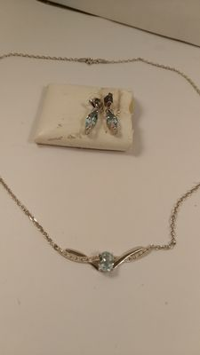 Necklace and earrings – Sterling silver (925/1000) – With blue quartz – Necklace length, 46 cm.