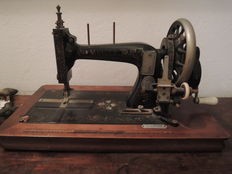 Muller sewing machine, early 1900s