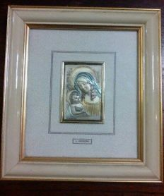 Silver and gold bas-relief of the Madonna with Child, handmade in silver and gold, signed Lamberto Moroni (Italy), around 1970