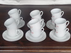 Roode Pelikaan-twelve cups and twelve saucers.