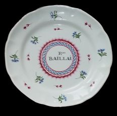 """Eartheware plate from the ISLETTES, """"Rose baillai"""""""