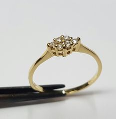 18 k Yellow gold ring set with 6 brilliant cut diamonds, total of approximately 0.12 ct