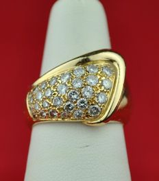 Superb 30 Diamond (+/-1.20ct HI Color / SI Purity) set on 18K/750 Yellow Gold Ring - E.U Size 50/51* re-sizable