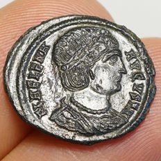 Roman empire – Helena, wife of Constantius I. (327-329) AE Follis, Heraclea, Securitas