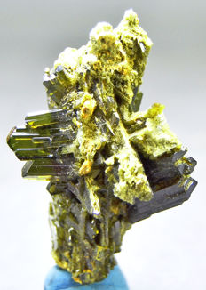 Green Apidote Crystal Cluster - 55 x 30 x 20 mm - 25 gm