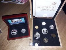 Netherlands and Overseas – Coin set 2006 '400 years the Netherlands - Australia' + coin set 2013 'Royal silver set' and 2 loose coins