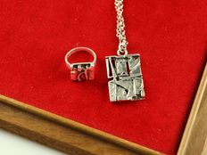 Finland silver 830 jewellery set of a necklace and a ring.