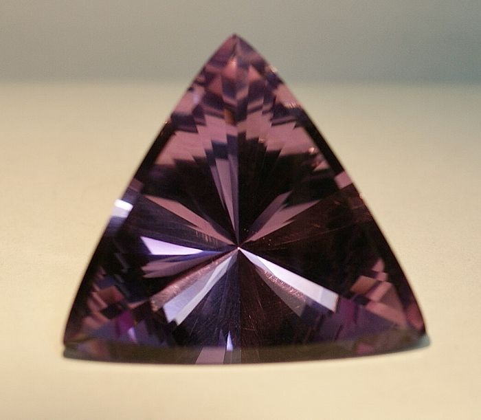 Ametyst - intense violet - 38,50 ct
