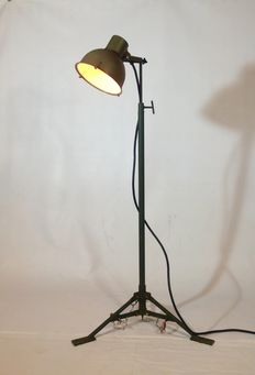 Unknown designer – Vintage military light on tripod, industrial floor lamp (lot 1)