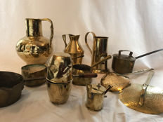 11-part lot with copper decorative objects