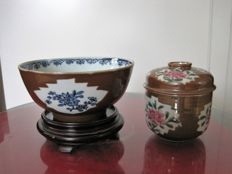 Porcelain bowl and lid - China - 18th century