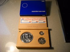 Spain - TRIBUTE TO THE ARMY - 1998 - Complete series - 25.5 and 1 euros - SILVER