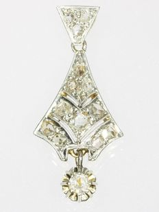 Bi-colour gold Art Deco pendant with diamonds, ca. 1920