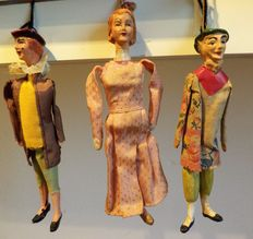 Lot of 3 puppets beginning of 20th century, in terracotta