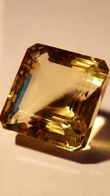 Yellow citrine quartz, 71.51 ct