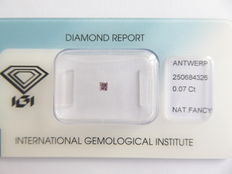 **Natural Fancy Pink Diamond 0.07 ct  with IGI cert ***No minimum price***
