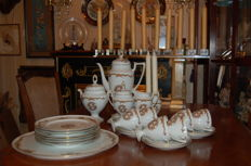Porcelain coffee and pastry dishes for 6 people
