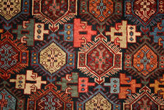 Rare antique Cacuasion Shiravan rug good condition
