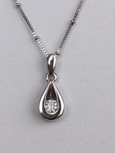18 kt white gold necklace with solitaire pendant set with a diamond of approx. 0.18 ct, H/SI2, 39 cm
