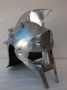 "Beautiful Gladiator helmet featured in the film ""Gladiator"" made in steel with head cover"