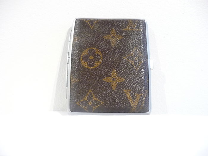 cheap for discount b304c bdaf7 Vintage Louis Vuitton cigarette case made in France - Catawiki