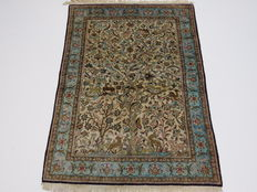 Beautiful Persian carpet Qom silk/Iran 150 x 105 cm, end of the 20th century Top condition, very fine weaving, 100% pure silk