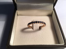 18 kt rose gold sapphire ring - size 18