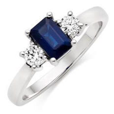 white gold ring with octagonal 0.82 ct sapphire and 0.10 ct diamonds, colour F, clarity VVS