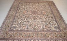 Wonderful, Kerman carpet, size - 260 x 205 cm.