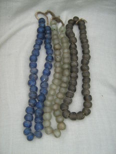 Antique Krobo glass beads in three colours – Ghana – Africa