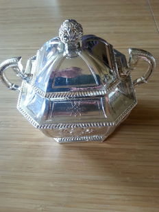 Silver plated sugar bowl - excellent condition
