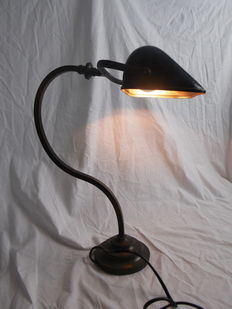Notary lamp - bronze with natural patina - France - First half of 20th century