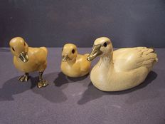 3 x Elli Malevolti ducks - mother duck with 2 boy ducks, signed and combined with brass fittings.
